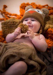 sesja zdjęciowa z niemowlakiem w studio foto dzieci