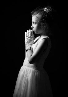 zdjęcia komunijne dziewczynek foto studio