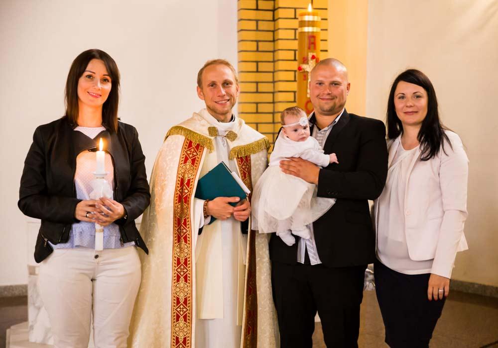sesja z chrztu, fotograf na chrzest, fotograf chrzciny