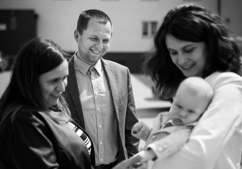 fotograf okolicznościowy szczecin, reportaż z chrztu,