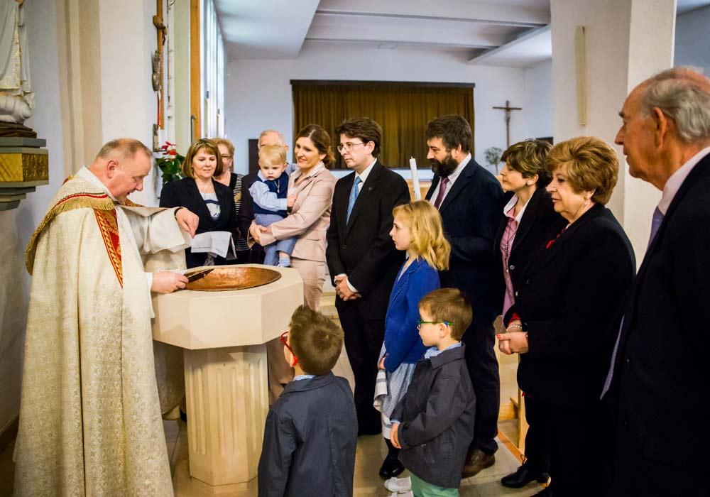 zdjęcia ze chrztu szczecin, reportaż z ceremonii chrztu,