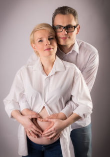sesja w ciąży zdjęciowa w domu szczecin fotograf