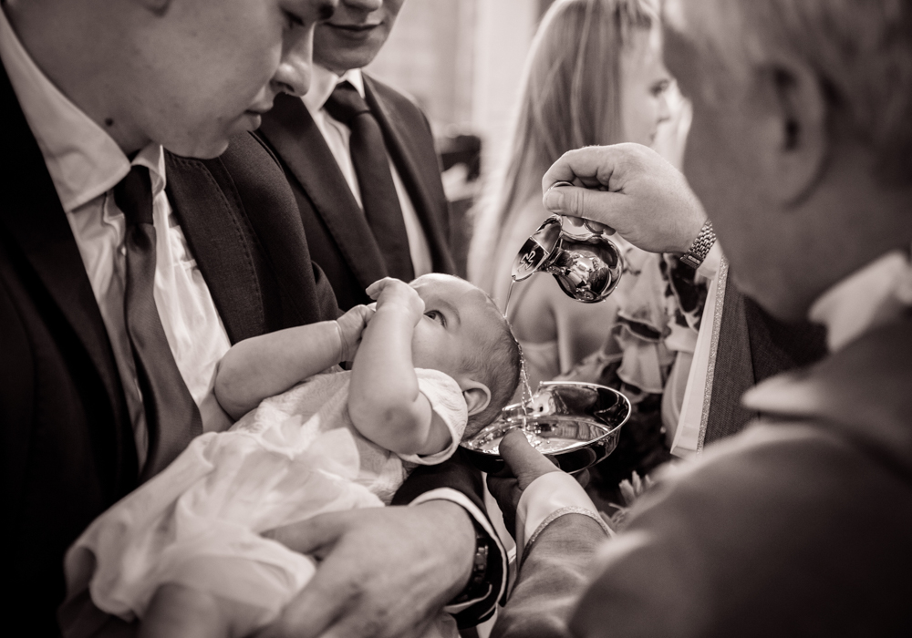 fotograf na chrzest chrzciny szczecin sesja w kościele