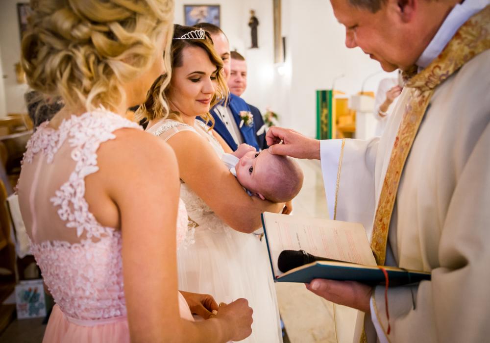 reportaz z chrztu sesja chrzest fotograf szczecin